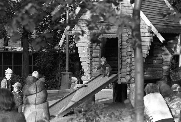 Детская площадка на Чистопрудном бульваре