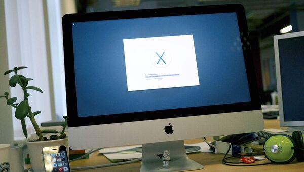 Установка операционной системы Mac OS. Архивное фото