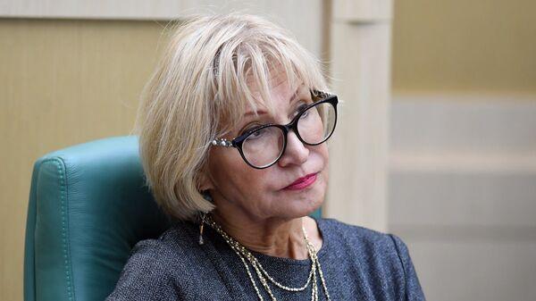 Заместитель председателя Счетной палаты РФ Вера Чистова на парламентских слушаниях в Совете Федерации. 8 октября 2018