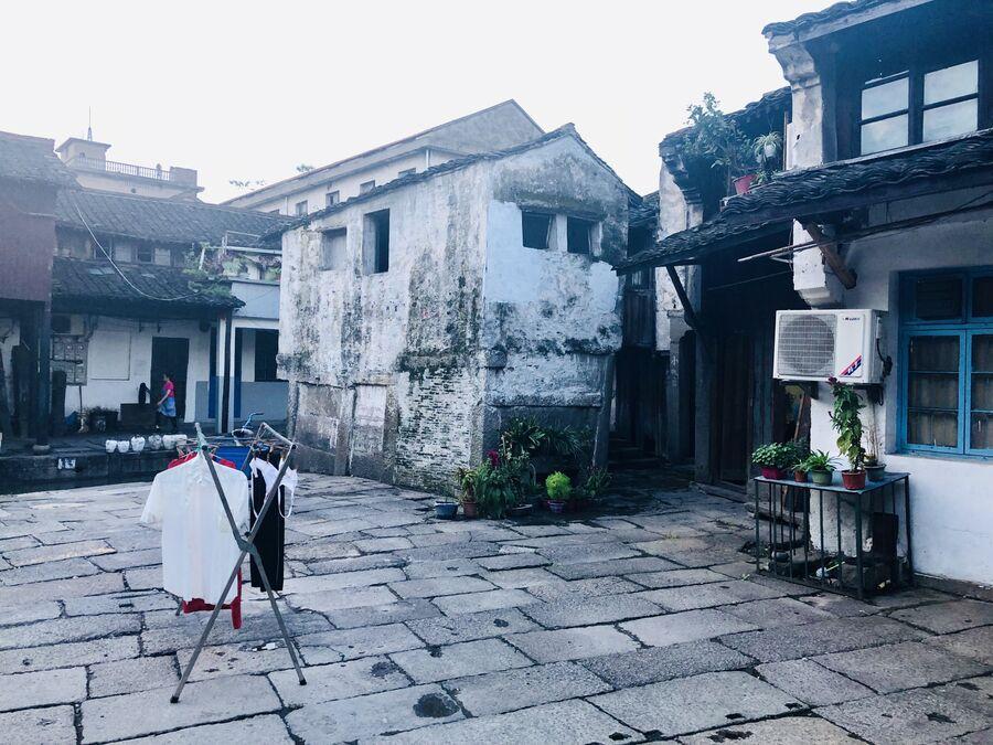 Жизнь местных жителей в древнем городке Аньчан, Китай