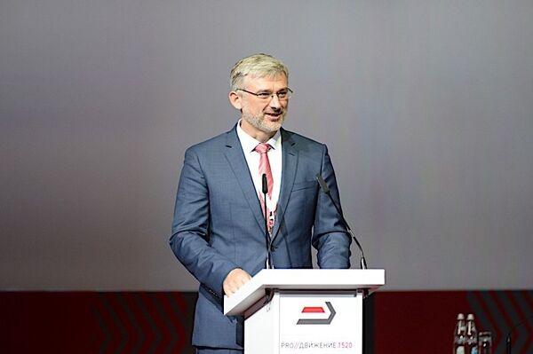 Министр транспорта РФ Евгений Дитрих на форуме