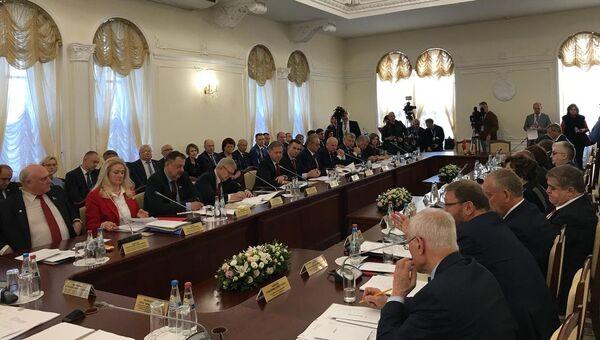 Депутаты Парламентского Собрания Союзного государства в Могилеве, Белоруссия. 14 октября 2018