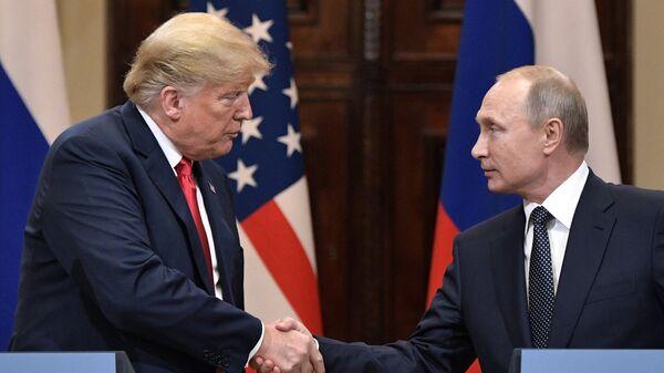"""Путин и Трамп смогут переговорить """"на ногах"""" на G20, заявил Песков"""