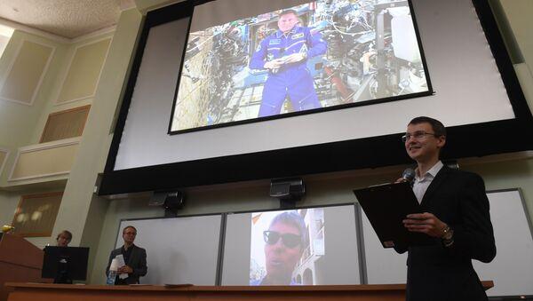 Космонавт Сергей Прокопьев с борта МКС ответил на вопросы читателей Sputnik