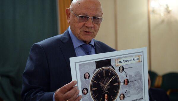 Генерал-майор авиации, член союза художников России Владимир Джанибеков во время оглашения финалистов конкурса дизайна часов Часы для президента. Архивное фото