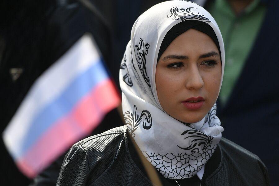 Участница митинга в Магасе против соглашения о границе между Ингушетией и Чечней