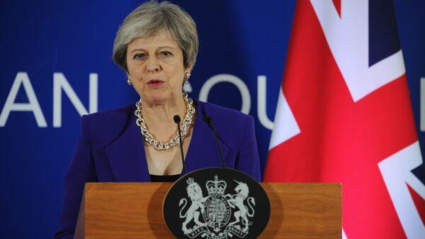 Британский парламент проведет экстренные дебаты всвязи спереносом голосования поBrexit