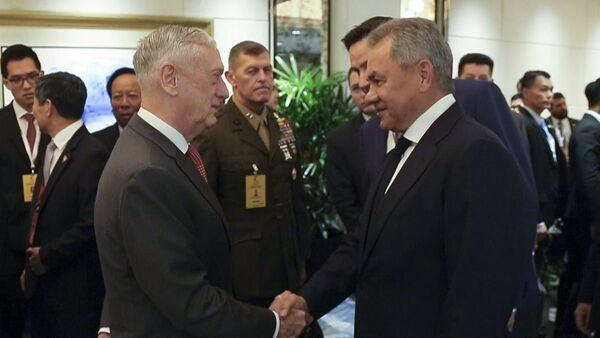 Министры обороны России и США Сергей Шойгу и Джеймс Мэттис