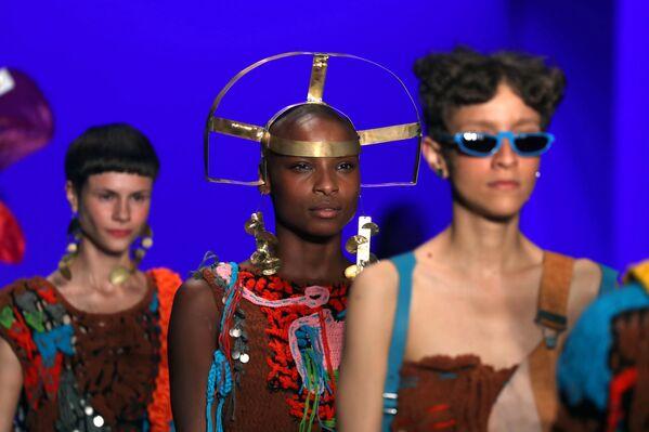 Показ коллекции Top 5 на Неделе моды в Сан-Паулу
