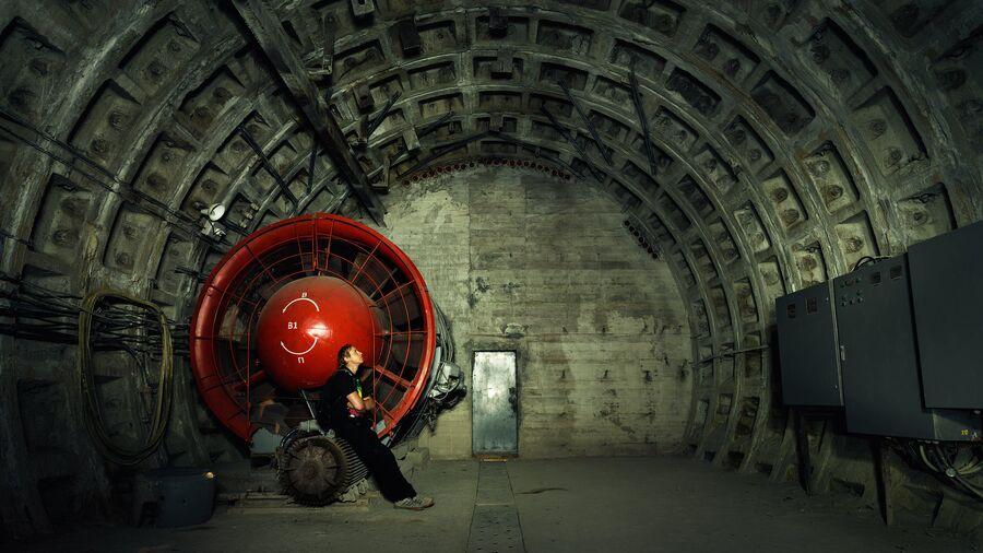 Санкт-Петербург. Вентиляционный тоннель станции метро Спортивная