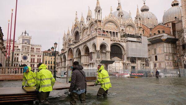 Затопленная площадь Сан-Марко в Венеции, Италия. 29 октября 2018