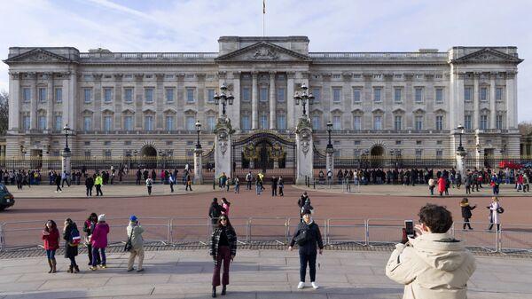 Букингемский дворец в Лондоне.