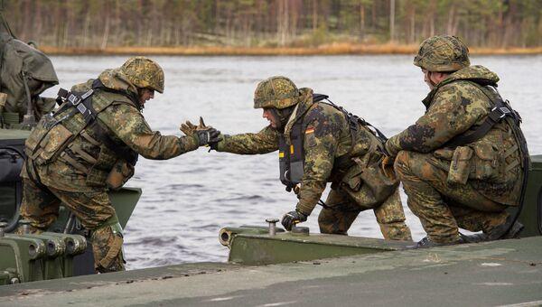Немецкие солдаты во время учений НАТО Trident Juncture в Норвегии. Архивное фото