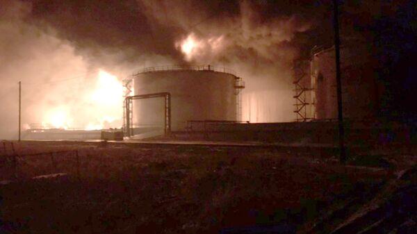 Возгорание резервуара с нефтью на нефтеперерабатывающей станции в Нижневартовском районе. 30 октября 2018