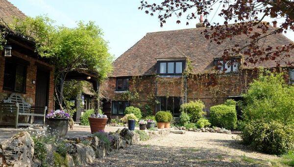 Отель Elvey Farm в Плакли, Англия