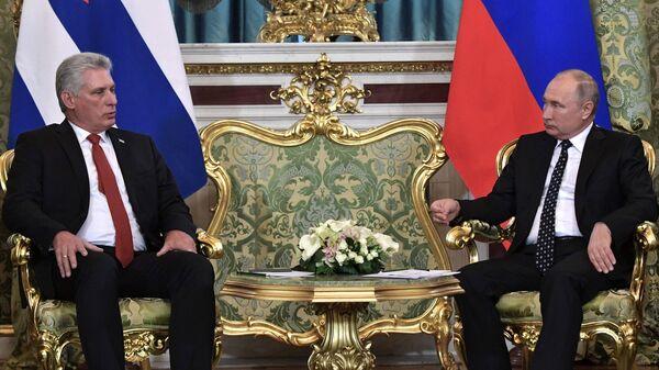 Владимир Путин и Мигель Диас-Канель