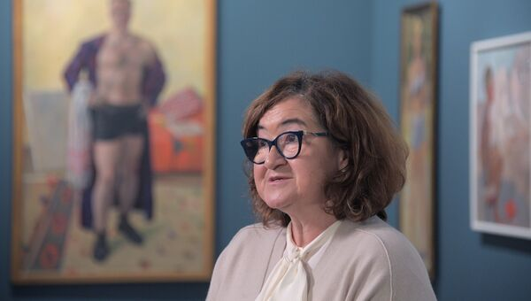 Директор Государственной Третьяковской галереи Зельфира Трегулова во время подготовки выставки Сокровища музеев России.