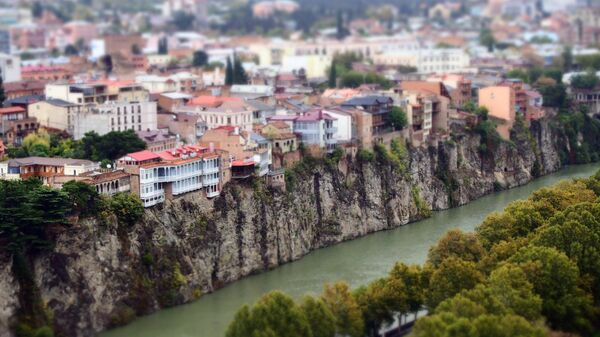 Река Кура и исторический центр Тбилиси