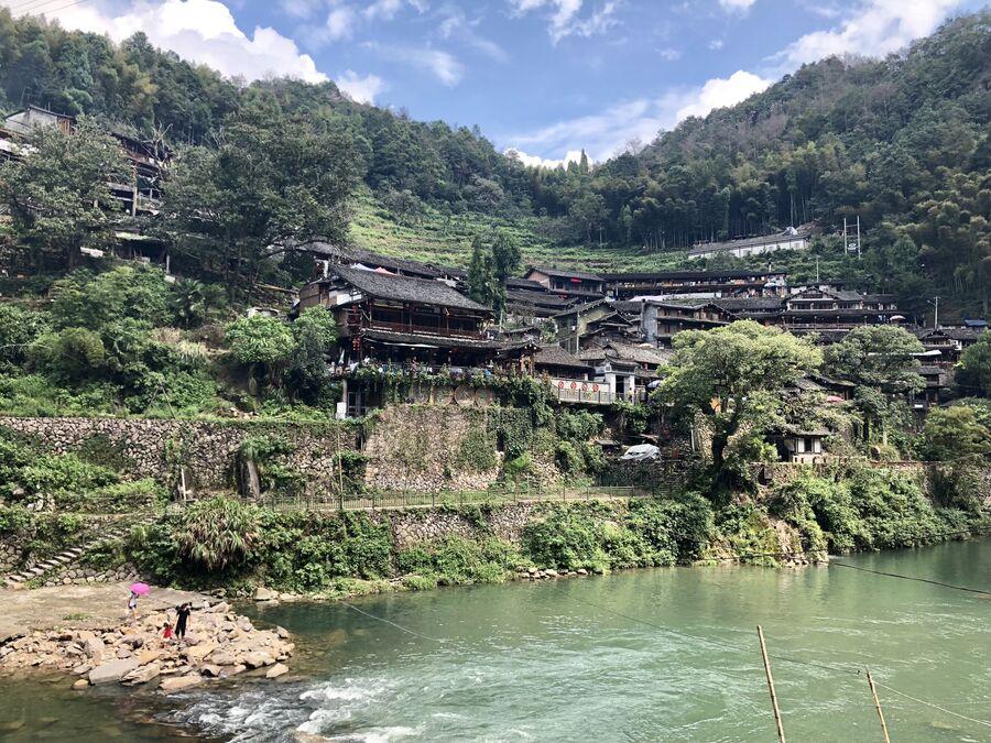 Деревня неподалеку от пейзажного района Наньсицзян, Чжэцзян, Китай