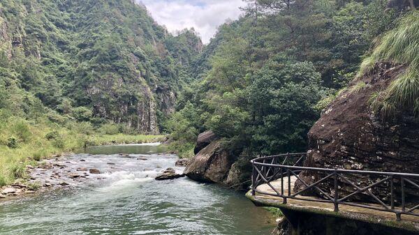 Река в Китае