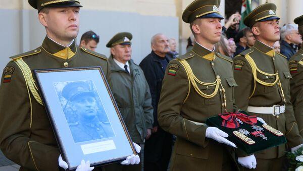 Перезахоронение останков командира лесных братьев Адольфаса Раманаускаса-Ванагаса в Вильнюсе