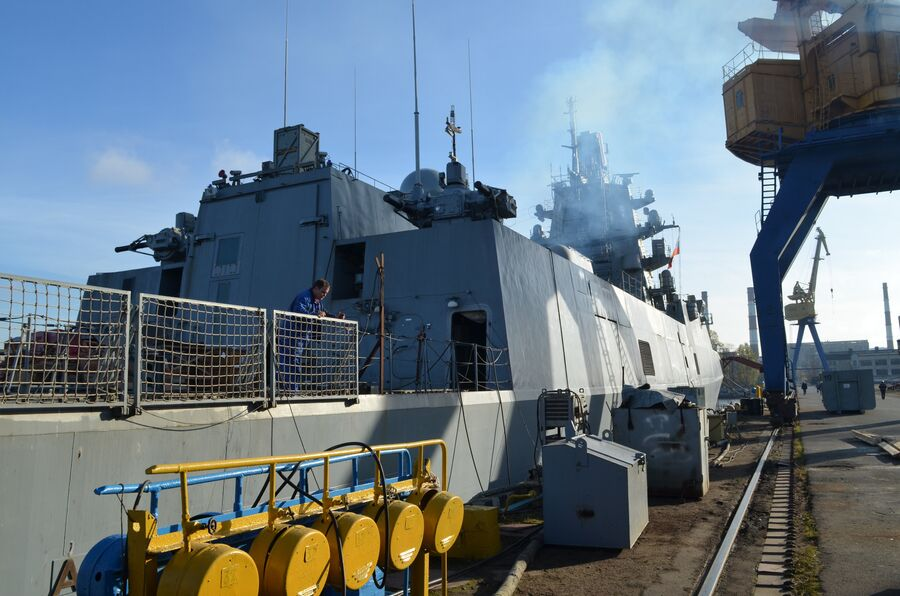 «Адмирал флота Касатонов» на стоянке у причала.