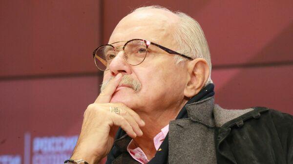 Председатель Союза кинематографистов России, режиссер Никита Михалков на IX Международной конференции Зиновьевские чтения