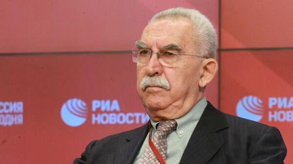 Журналист, общественный деятель, член Зиновьевского клуба Джульетто Кьеза