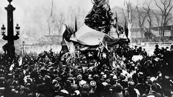 Празднование в Париже окончания Первой мировой войны. 11 ноября 1918