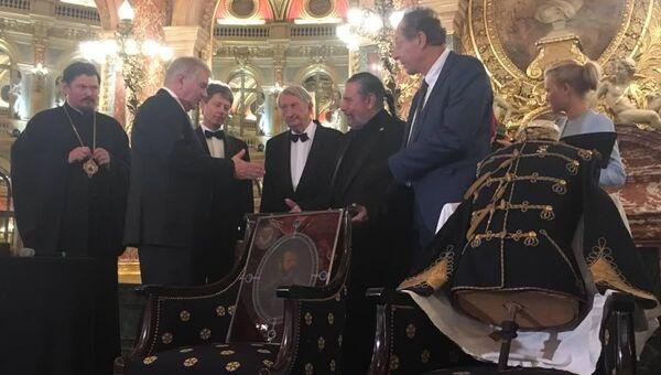 Торжественная церемония передачи послу РФ во Франции А. Мешкову реликвий российского императора Александра II