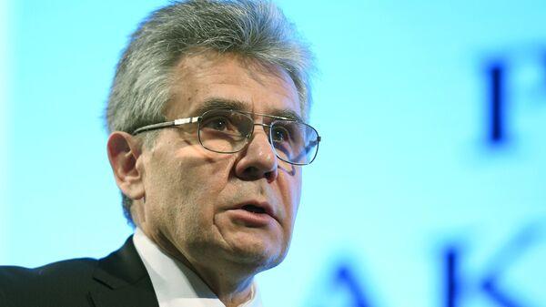 Глава РАН предложил отдавать молодым ученым служебное жилье в собственность