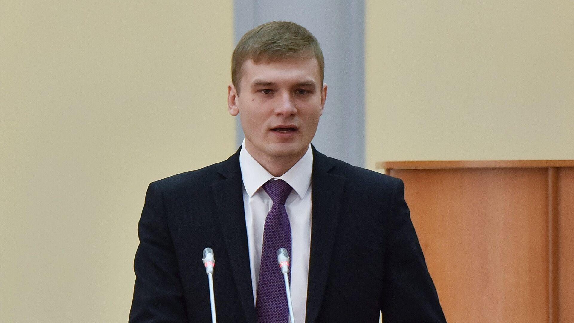 Избранный глава Республики Хакасия Валентин Коновалов на церемонии вступления в должность - РИА Новости, 1920, 10.04.2021