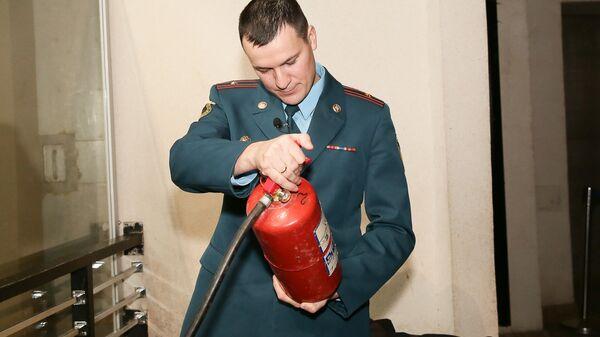 Инспектор пожарного надзора Москвы Азат Абулев провел профилактический рейд в Московском Зоопарке