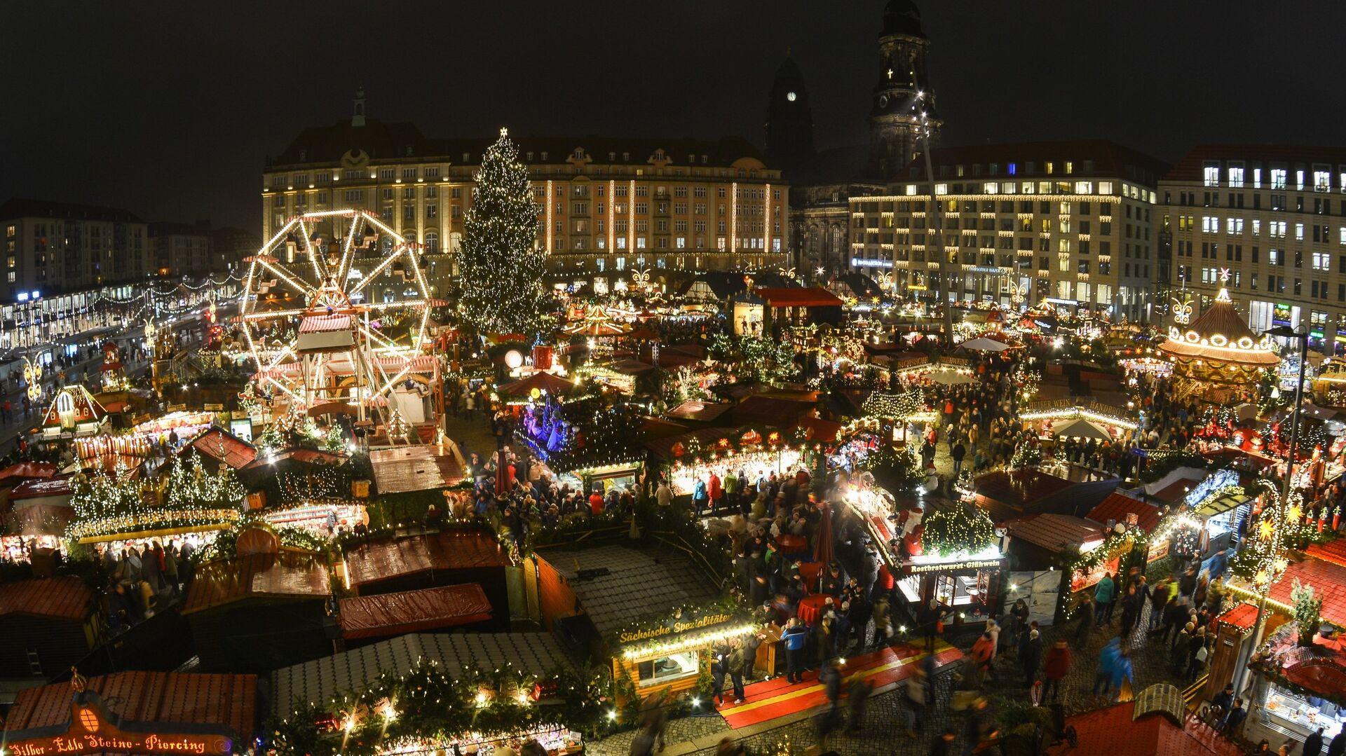 Рождественская ярмарка Штрицельмаркт в Дрездене, Германия - РИА Новости, 1920, 15.11.2020