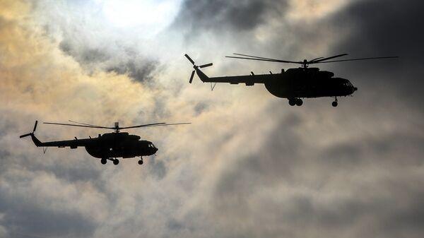 Вертолеты Ми-8 ВС Украины во время тактических учений