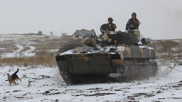 Бронетехника ВСУ на востоке Украины