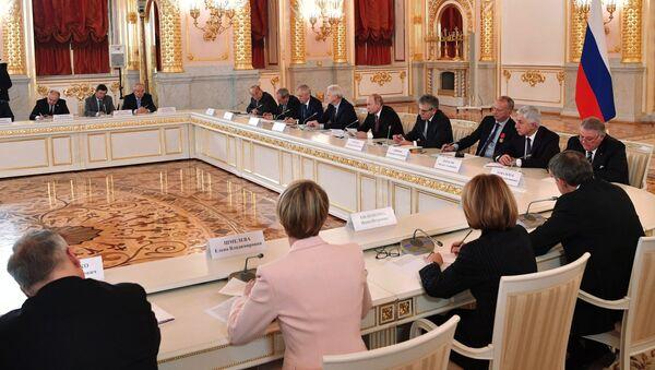 Президент РФ Владимир Путин проводит заседание Совета при президенте по науке и образованию. 27 ноября 2018