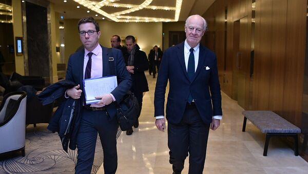 Специальный представитель Генерального секретаря ООН по Сирии Стаффан де Мистура перед началом 11-й Международной встречи в Астане по урегулированию ситуации в Сирии. 29 ноября 2018