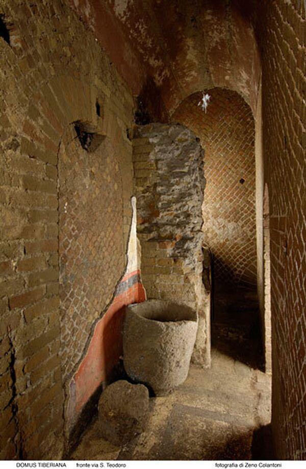 Найденный итальянскими археологами узкий проход, где предположительно был убит римский император Калигула