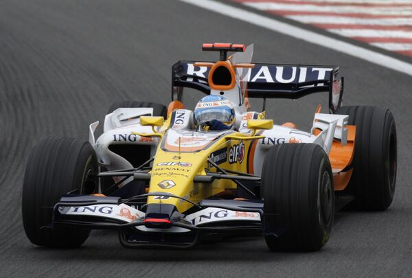 Фернандо Алонсо во время второй практики Гран-при Бразилии