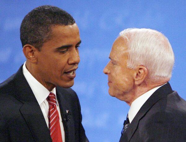 Барак Обама не упускал случая обвинить своего соперника – республиканца Джона Маккейна - в экономической безграмотности