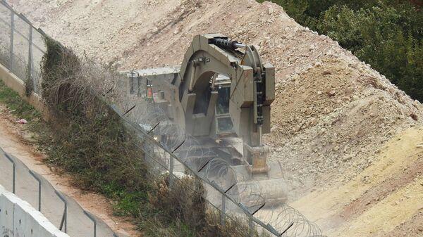Израильская техника во время операции Северный щит на границе Израиля с Ливаном