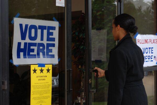 Избирательный участок в Аннандейле (штат Вирджиния).