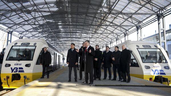 Президент Украины Петр Порошенко на торжественном открытии запуска экспресса в аэропорт Борисполь, Украина. 30 ноября 2018
