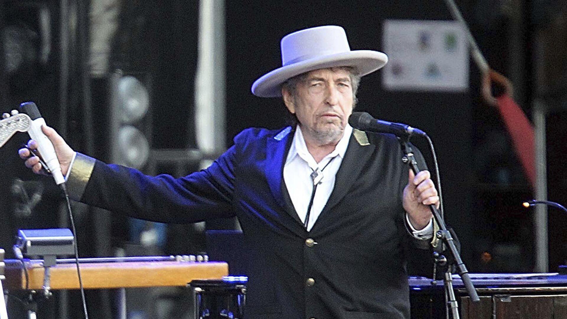 СМИ: певца Боба Дилана обвинили в совращении ребенка в 1960-х годах - РИА Новости, 17.08.2021