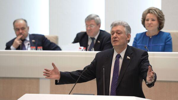Политик, бывший председатель Совета Федерации Владимир Шумейко