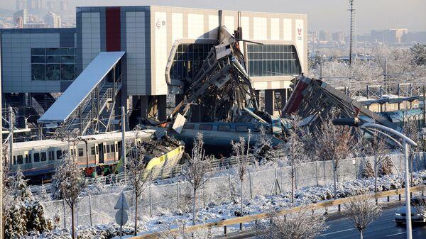 Крушение скоростного поезда в Анкаре, Турция. 13 декабря 2018 REUTERS