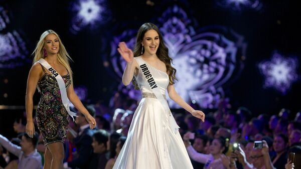 Дефиле в рамках конкурса красоты Мисс Вселенная