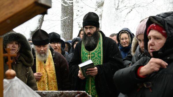 Акция священников УПЦ МП против Объединительного собора на Украине у здания Верховной рады Украины в Киеве