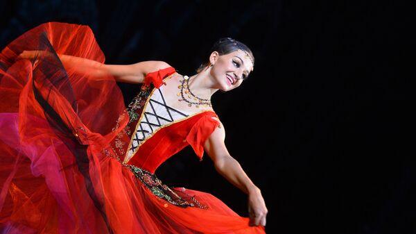 Сцена из балета Эсмеральда в рамках Международного фестиваля классического балета имени Рудольфа Нуриева в Казани